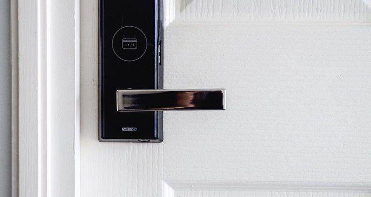 Какво трябва да знаете, преди да закупите цифрова брава за вратата