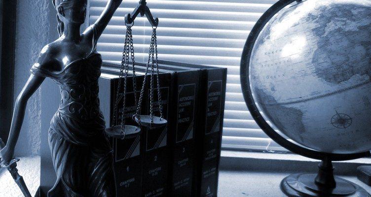 Адвокатските услуги в България
